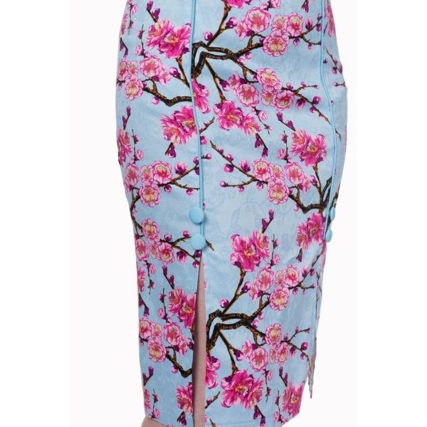 close up view of the blue pink blossom pencil skirt