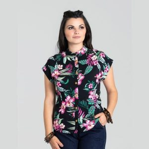 front view black backgroung pbright pink hibiscus flower printed button fronted collered short sleeve shirt
